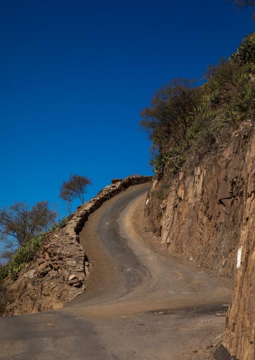Narrow road in the mountain, Jizan Province, Addayer, Saudi Arabia