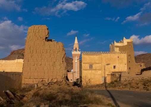 Mosque in an old village of traditional mud houses, Asir province, Ahad Rufaidah, Saudi Arabia