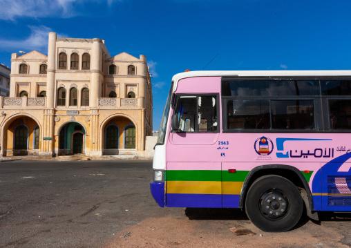Bus in front of katib house, Makkah province, Taif, Saudi Arabia