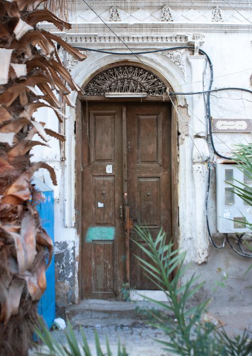 Wooden door house in the old quarter, Hijaz Tihamah region, Jeddah, Saudi Arabia