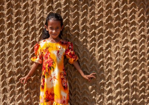 Yemeni refugee girl living on the tihama coast, Jizan Region, Jizan, Saudi Arabia