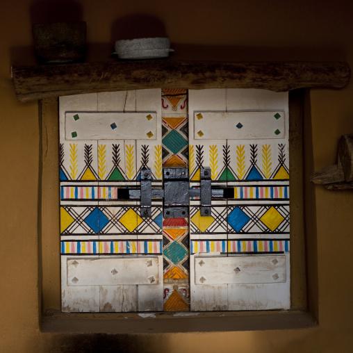 Bin hamsan house Al-qatt al-asiri traditionally female interior wall decoration, Asir province, Khamis Mushait, Saudi Arabia