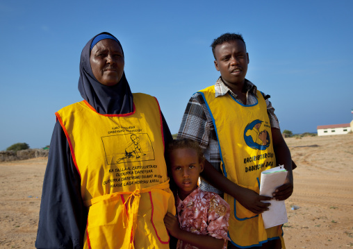 A Woman And A Man In A Campaign For Polio Vaccination, Somaliland