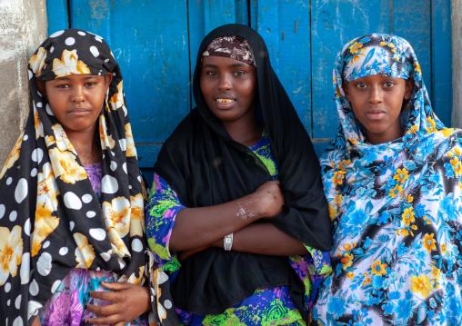 Somali girls in the street, North-Western province, Berbera, Somaliland