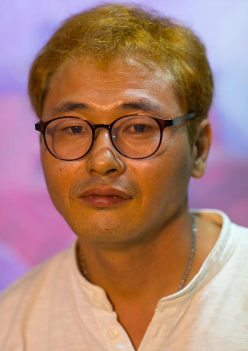 Former north Korea propaganda artist called oh sung-cheol, National Capital Area, Seoul, South Korea