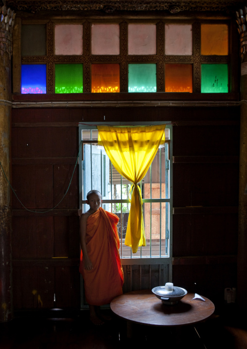 Monk in mae hong son temple, Thailand