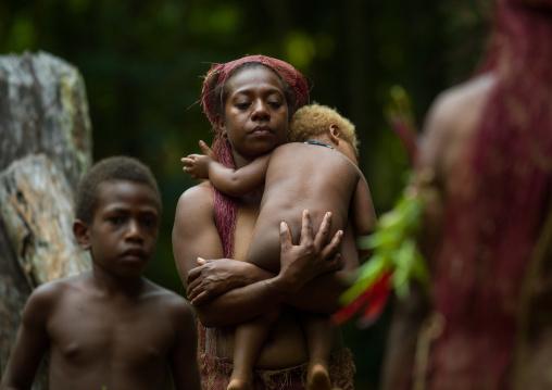 Big Nambas mother and her blonde baby, Malampa Province, Malekula Island, Vanuatu