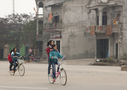 Girls on bicycles in sapa, Vietnam
