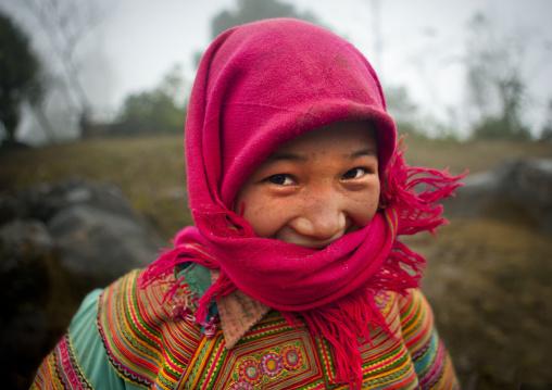 Flower hmong girl with a pink veil, Sapa, Vietnam