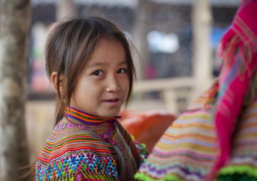 Young flower hmong girl at sapa market, Vietnam