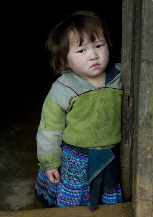 Young black hmong girl, Sapa, Vietnam