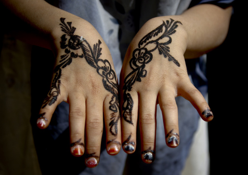 Floral Designs Drawn With Henna On A Girl Hands, Amran,  Yemen
