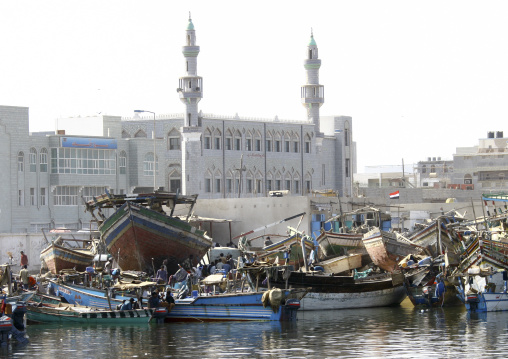 View Of The White Mosque And Of The Dhows In Al Hodeidah Harbour, Yemen